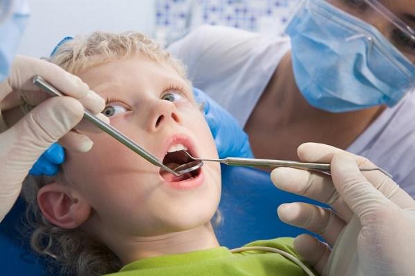 стоматологическая чистка зубов