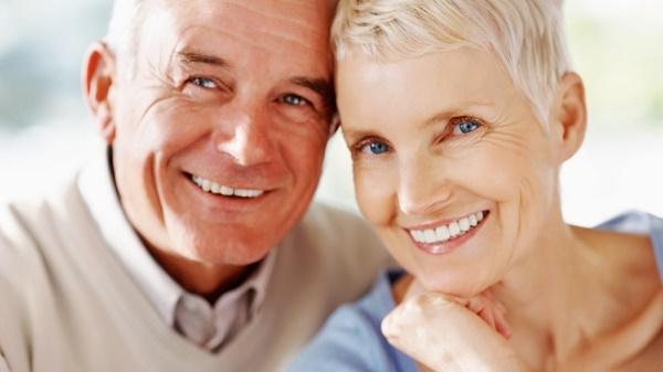 как правильно ухаживать за зубными имплантами