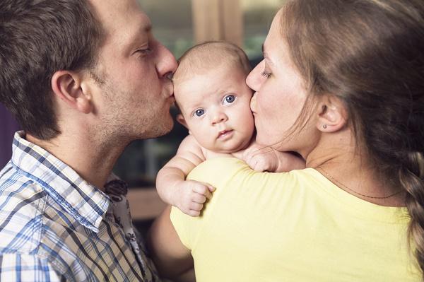 как помочь ребенку, если у него режутся зубки