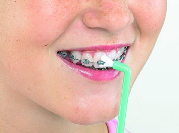 модель зубной щетки Курапрокс 1009