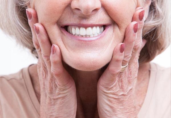 как выглядит полный съемный протез во рту у пациента