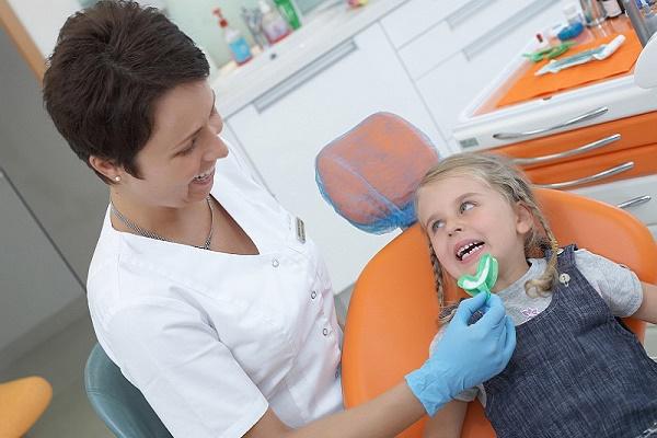 этапы фторирования молочных зубов