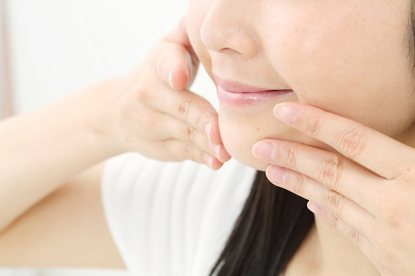 какой делать массаж, если больно смыкать челюсть