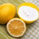 как безопасно отбелить зубы содой и лимоном