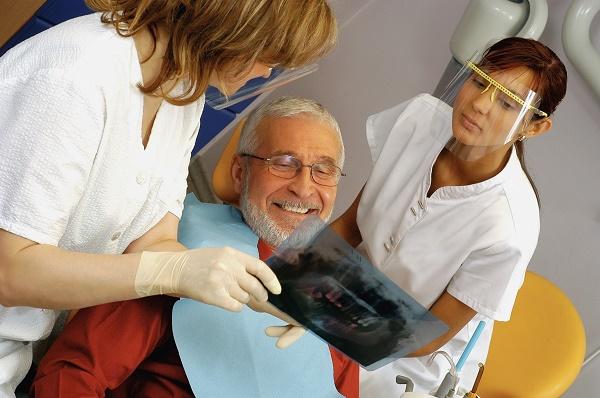 какие существуют показания к установке имплантов