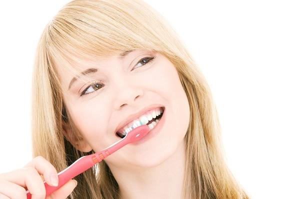 в чем преимущества чистки зубным порошком