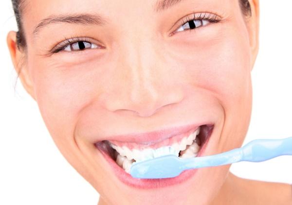 как правильно проводить чистку зубов маслом чайного дерева