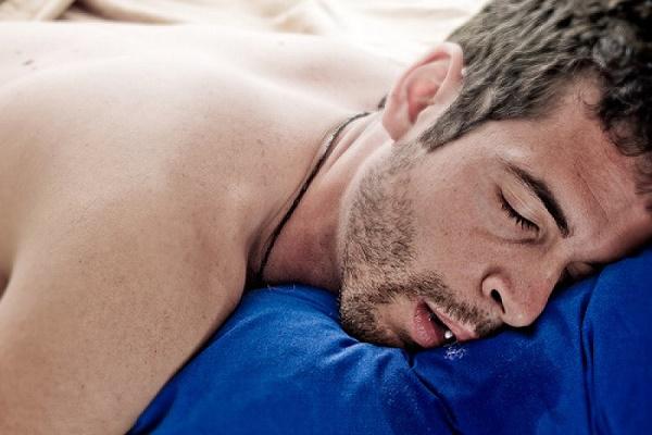 причины большого количества выработки слюны во время сна