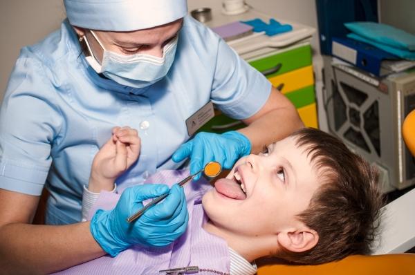 Шатаются зубы что делать возрастное