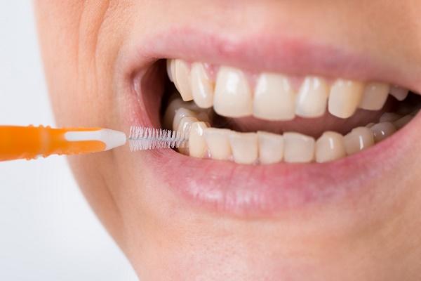 как правильно нужно пользоваться ершиком для чистки зубов