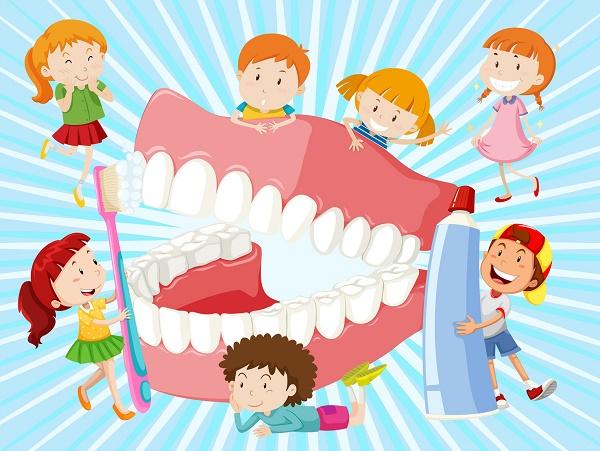 когда ребенку нужно чистить зубы с пастой