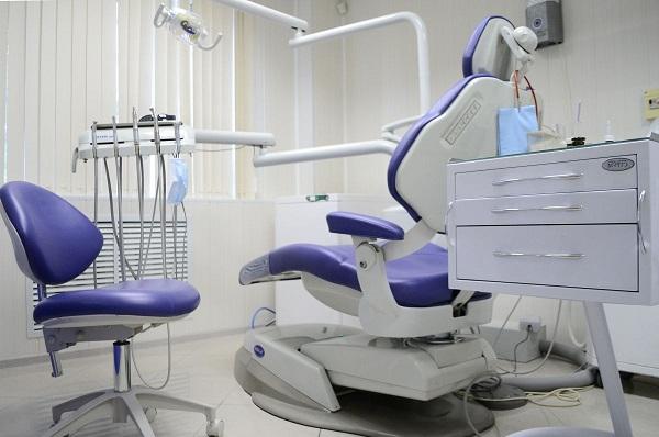 экономить или нет на протезировании зубов