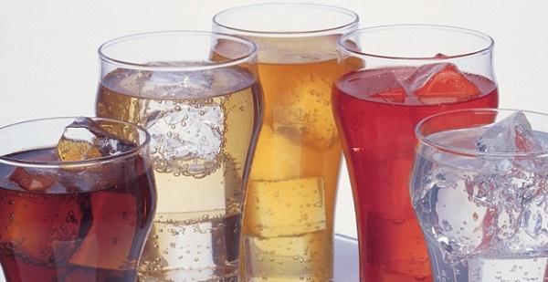 в первые дни после установки виниров нужно отказаться от красящих напитков
