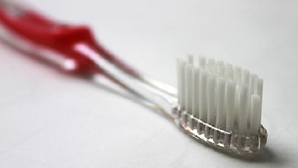 описание зубной щетки Oral-B Ortho