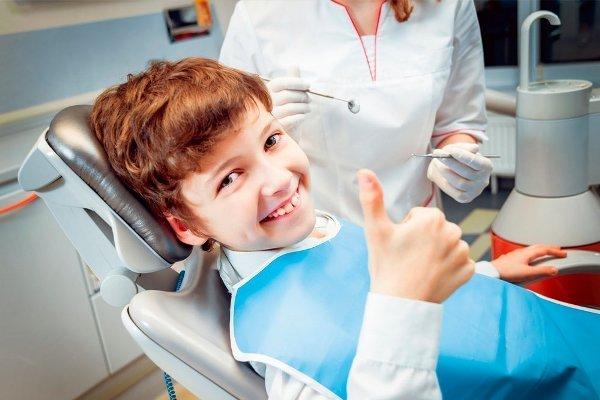 Как правильно ухаживать за вставными зубами