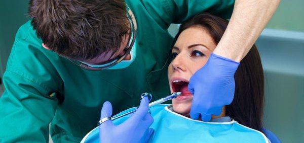 Можно ли лечить зубы кормящей маме обезболивающий укол