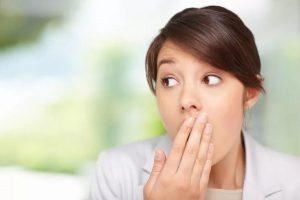 неприятный запах изо рта при развитии кариеса