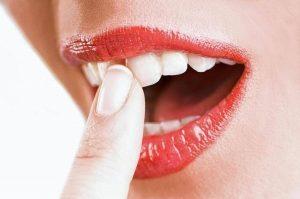 расшатанность зубов, невозможность установки металлокерамических коронок