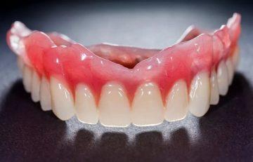 какова цена нейлонового зубного протеза