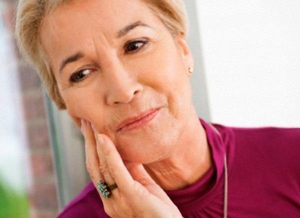 часто ли возникает боль после имплантации зубов