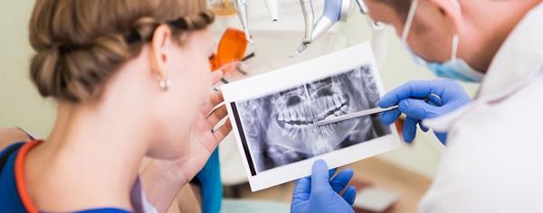 Что делает врач стоматолог хирург