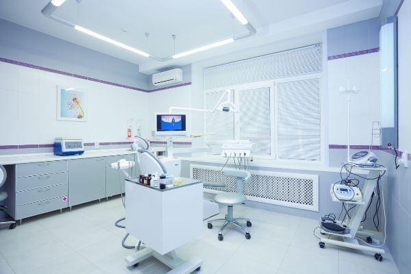 Имплантация зубов за границей