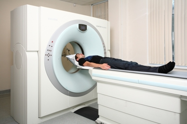 МРТ головного мозга с брекетами можно